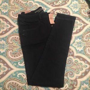 NWT American Eagle Dark Wash Jeans